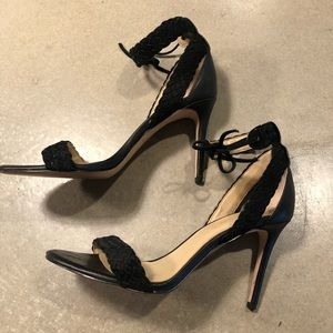 ** - Ann Taylor Weaved Strap Heeled shoes